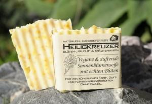 Vegane und duftende Sonnenblumenseife mit echten Blüten