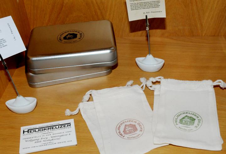 Seifendose und Seifensäckchen.