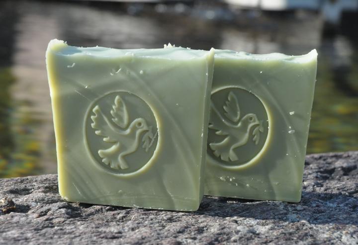 Für Haut und Haar: Vegane Lorbeerseife mit Oliven- und Babassu-Öl.