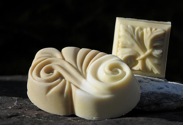 100 Prozent bio und vegan: Milde Schwarzkümmelseife für zarte Gesichtshaut.