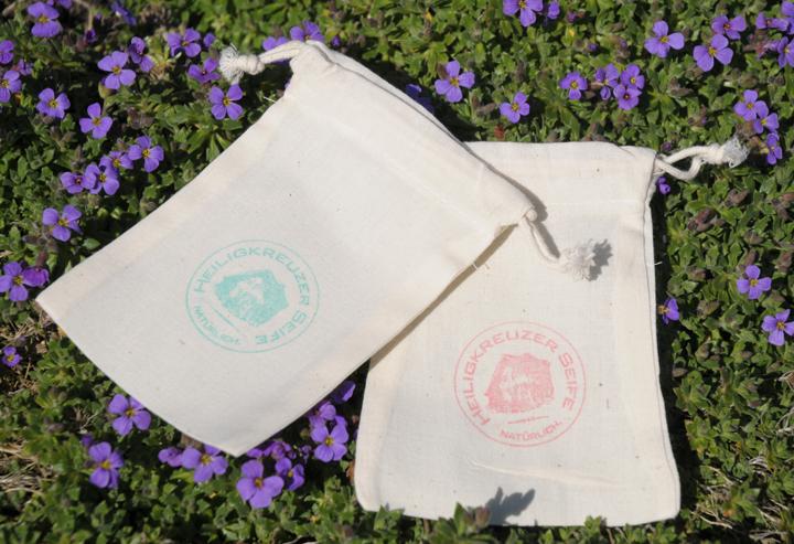 Seife aufbrauchen bis zum letzten Rest: Füllen Sie das Seifensäckchen mit Seifenresten und verwenden Sie es wie eine Seife..