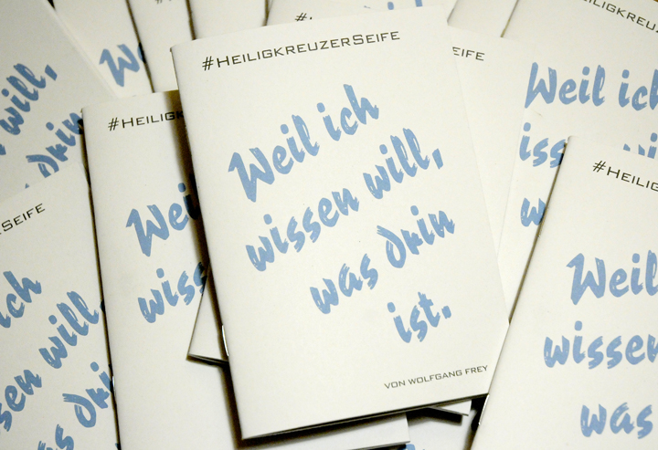 """""""Weil ich wissen will, was drin ist"""": Das Heftchen zur Philosophie der Heiligkreuzer Seife."""