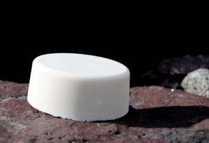 """Ergiebig: Täglich nur fürs Gesicht verwendet, hält die Seife je nach Grösse mehrere Monate. Im Bild die Form """"Oval""""."""