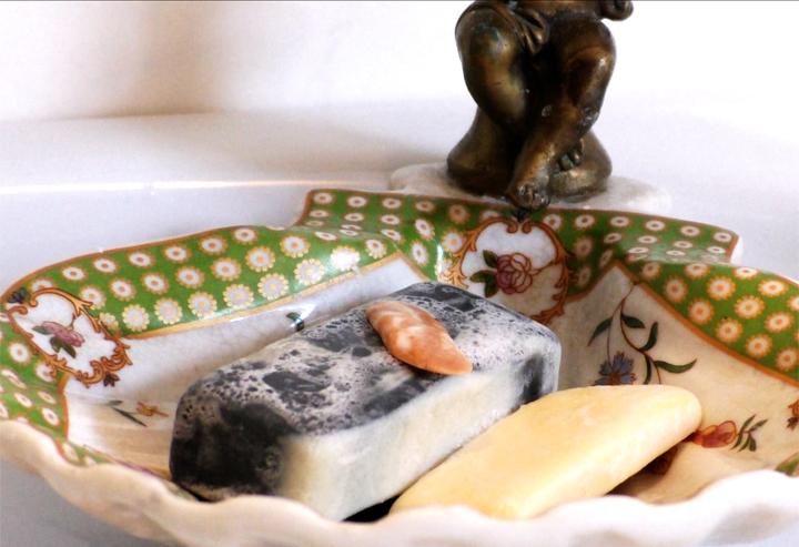 Wie ergiebig ist feste Seife? Der Test im Video