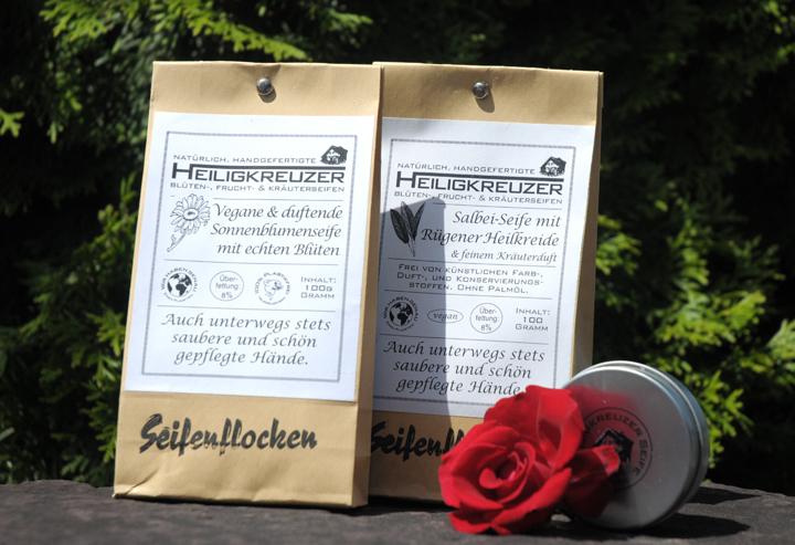 Seifenflocken im Papierbeutel. Zum Nachfüllen der Seifenflockendose oder des Seifenflockenstreuers.