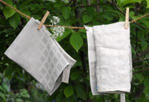 "Das Handtuch ""Ruta"". Links neu, rechts im Gebrauch."