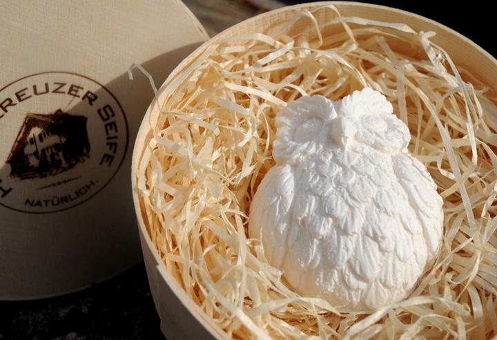 Bio-Alpensalz-Seife mit Buttermilch und Wildrosenöl. In der Einzelstück-Varianten #40.
