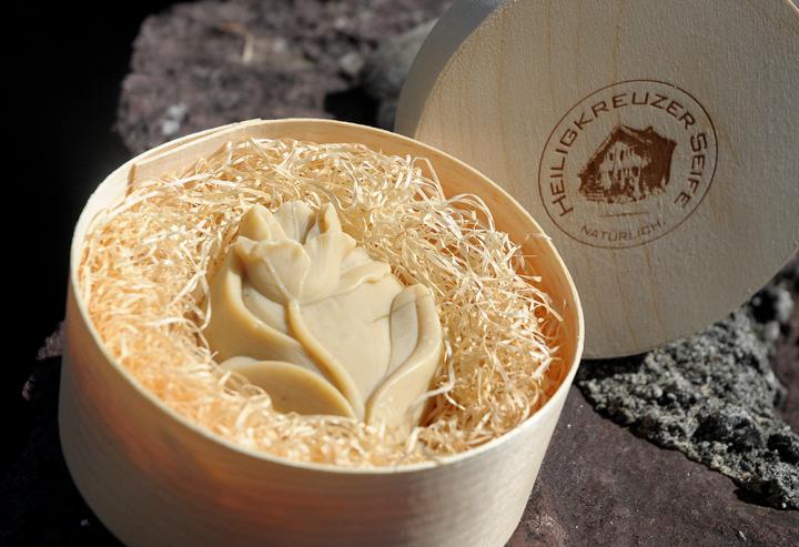 Baumnuss-Seife mit Schafmilch. Einzelstück #105.