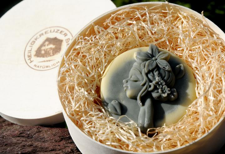 Macadamianussöl-Seife mit Buttermilch. Einzelstück #210.